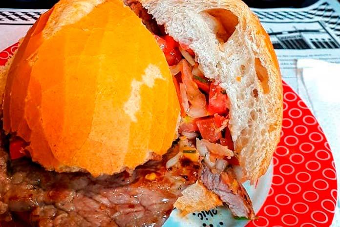 Sanduíche de Pernil do Ponto Chic